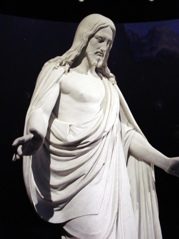 statue-jesus-christ-3.jpg