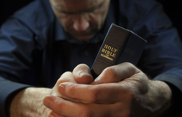 How-to-Pray-GettyImages-523426120-57aceea55f9b58b5c21c66bb