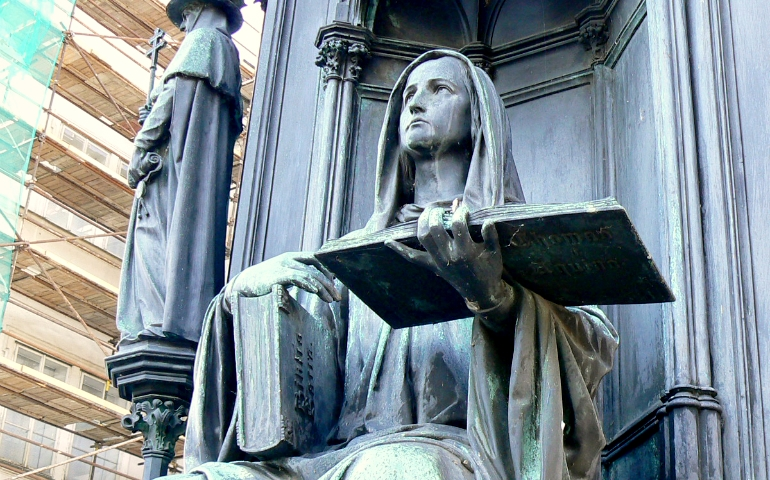 Faculty_of_Theology_(personification)-2 CROP_1